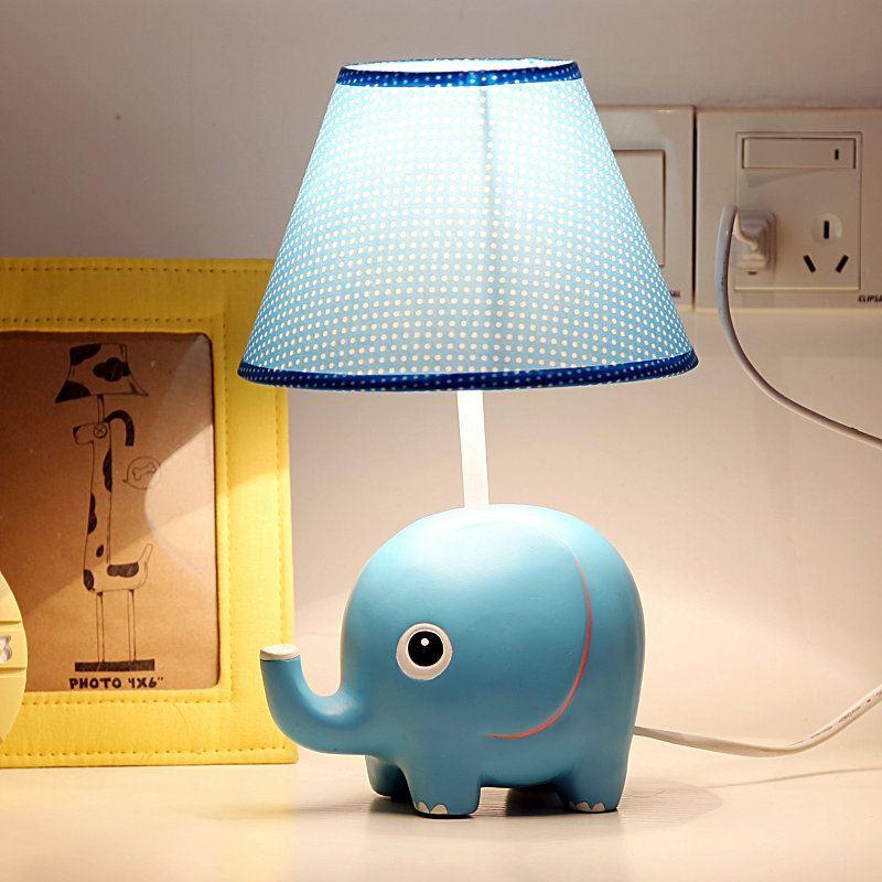 tischleuchte modern cartoon elefant design gro im kinderzimmer. Black Bedroom Furniture Sets. Home Design Ideas