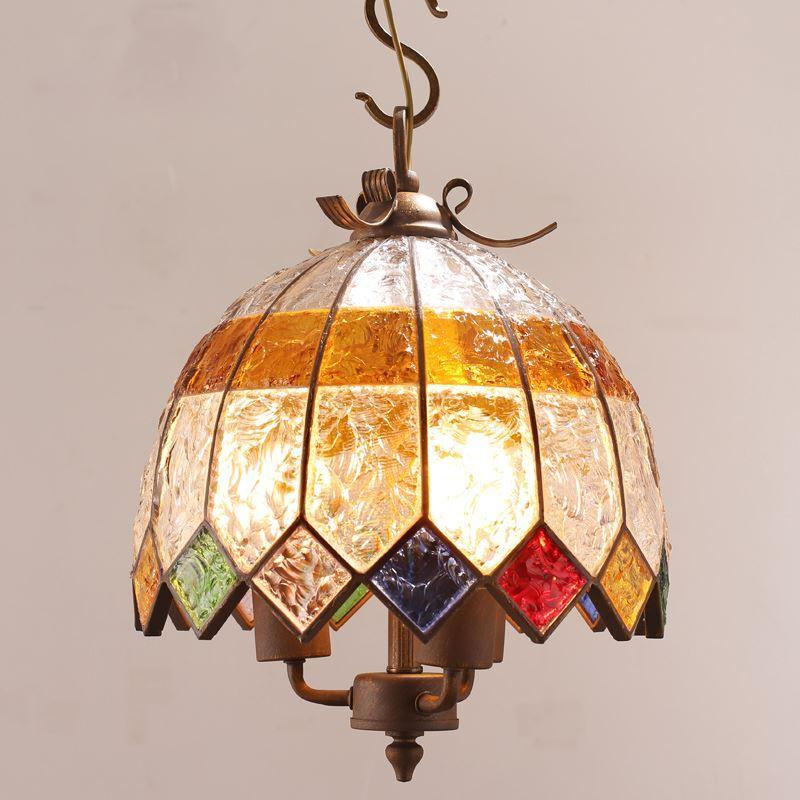 stimmungsvolle h ngeleuchte buntes glas eisen 3 flammig durchmesser 40cm. Black Bedroom Furniture Sets. Home Design Ideas