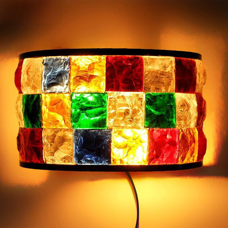 reizende wandleuchte aus buntes glas eisen 2 flammig im wohnzimmer. Black Bedroom Furniture Sets. Home Design Ideas