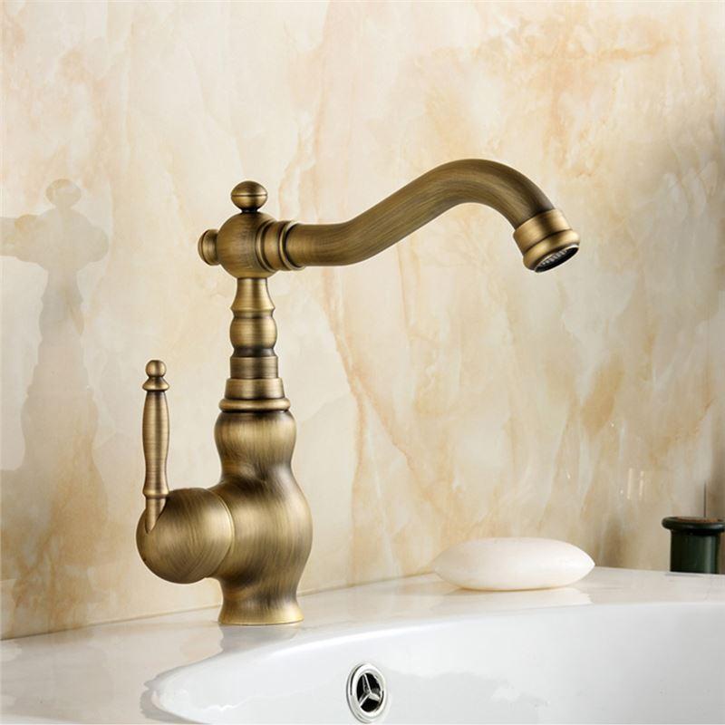 einhand waschtischarmatur antik messing im badezimmer. Black Bedroom Furniture Sets. Home Design Ideas