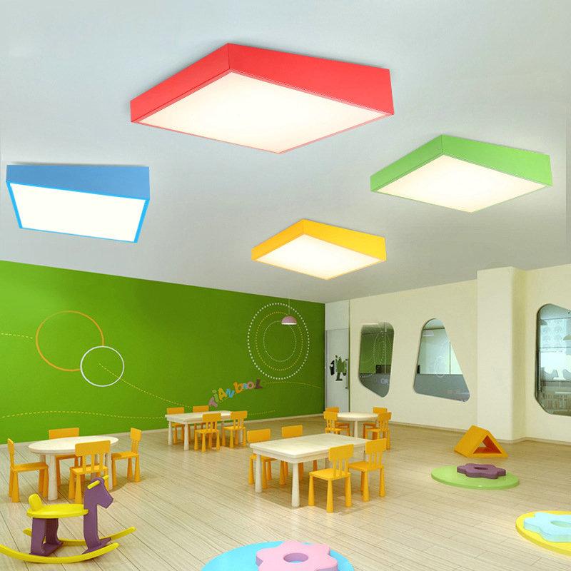 Led deckenleuchte modern eckig design bunt im kinderzimmer - Kinderzimmer bunt ...