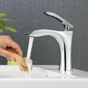 Moderne Waschtischarmatur im Badezimmer Einhand Chrom