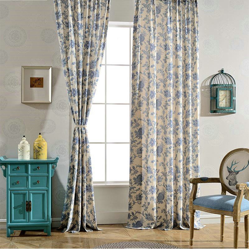 landhaus vorhang blau blumen design im schlafzimmer. Black Bedroom Furniture Sets. Home Design Ideas