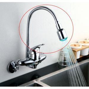 das Rohr und Brause für Küchenarmatur