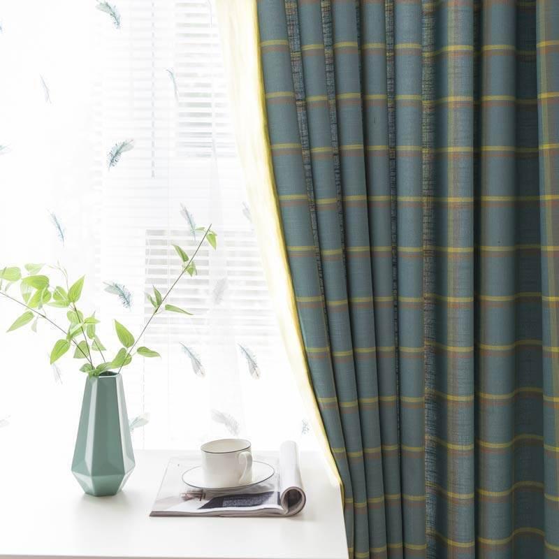 Klassisch Vorhang Plaid Muster Design im Schlafzimmer