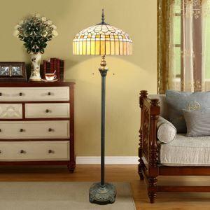 Tiffany Stehlampe Diamond Design 2 flammig im Schlafzimmer