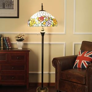 Stehlampe Tiffany Stil Rose Design im Wohnzimmer