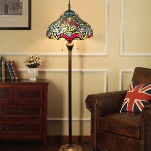 Tiffany Stehlampe Floral Design im Wohnzimmer
