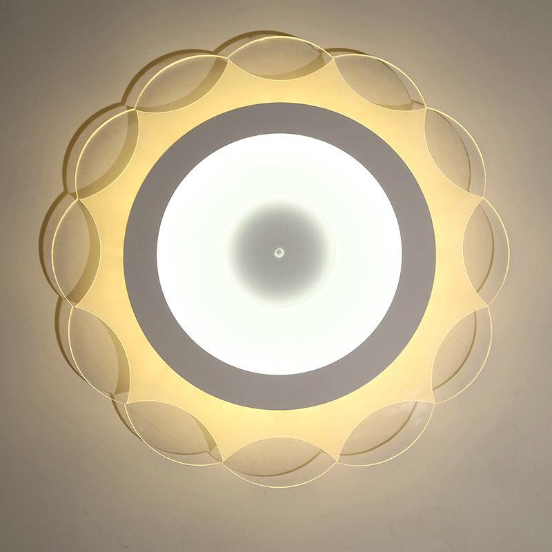 deckenlampe led modern wei sonne design im wohnzimmer. Black Bedroom Furniture Sets. Home Design Ideas