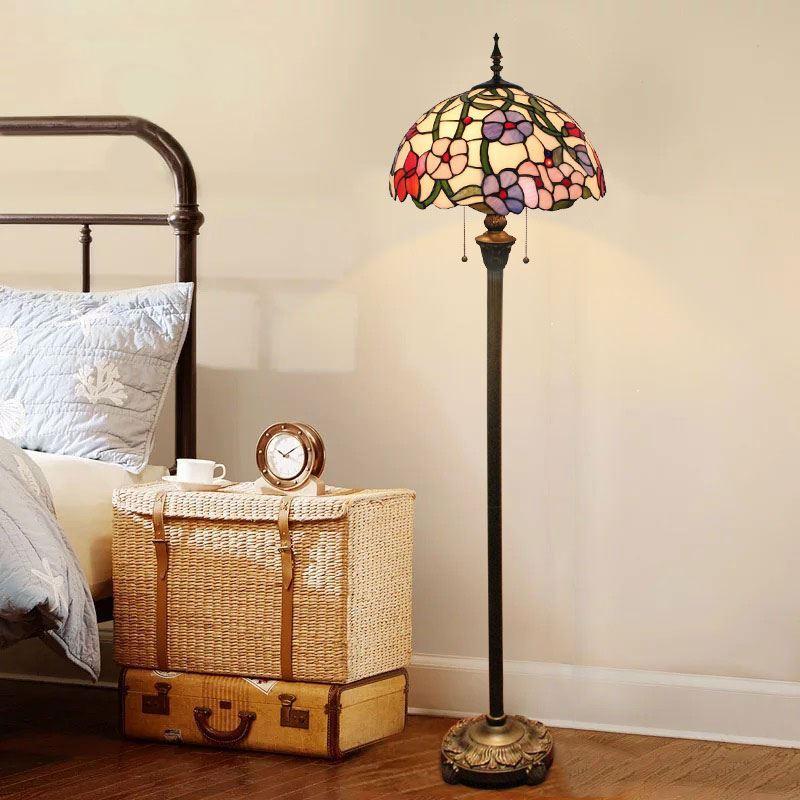 stehleuchte blumen design f r schlafzimmer tiffany stil. Black Bedroom Furniture Sets. Home Design Ideas
