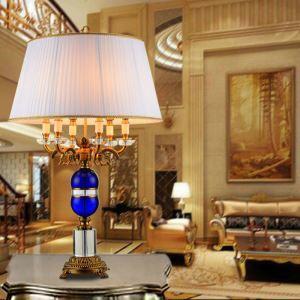 Luxuriöse Tischleuchte aus Eisen Kristall 1 flammig im Schlafzimmer
