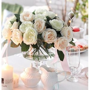 Rosa Seidenblumen, Weinglas förmige Vase