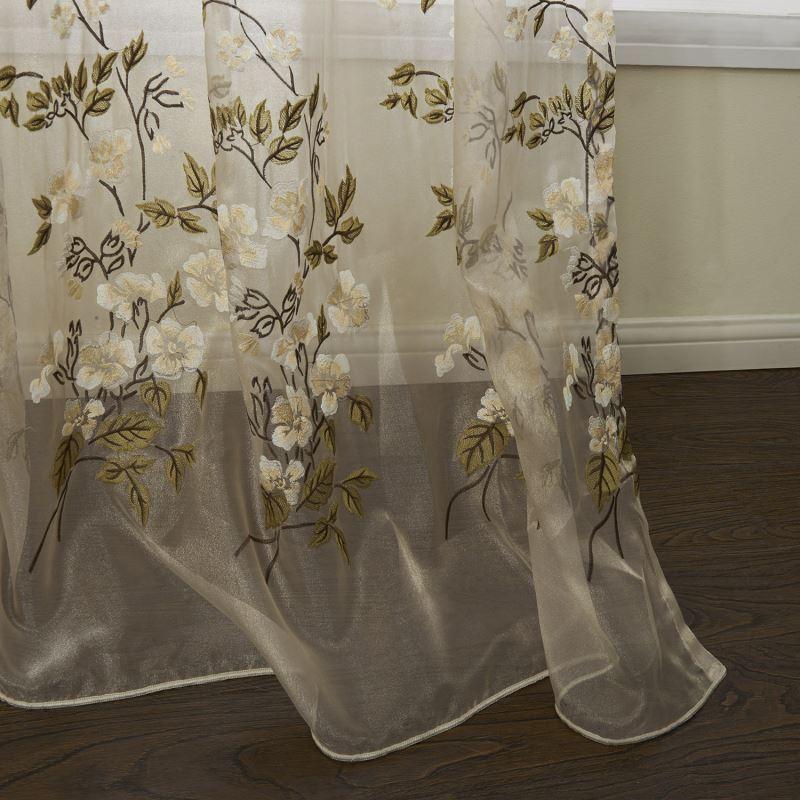 Ausverkauft 1er Pack Landhaus Bestickt Beige Floral