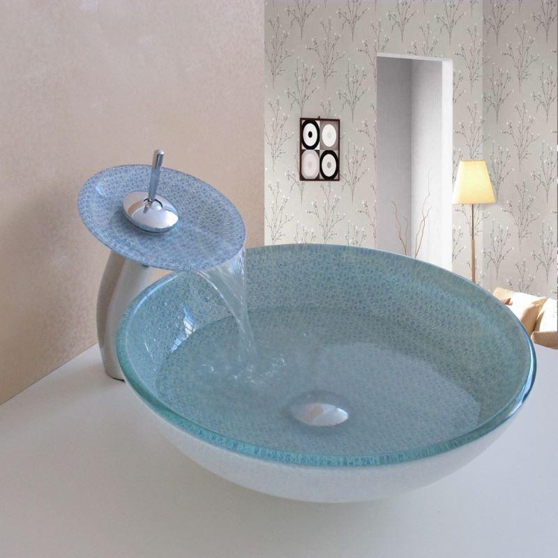 Rustikale Badezimmereinrichtung : Badezimmerarmaturen landhaus ...