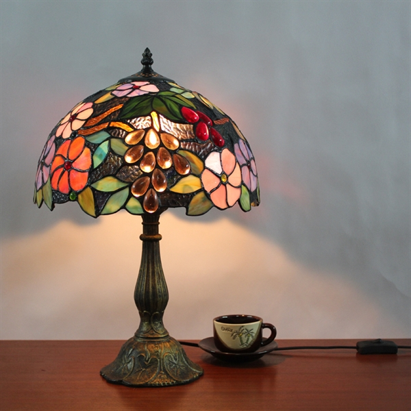 beleuchtung tiffany lampen tiffany tischlampen eu lager florentine tischleuchte im. Black Bedroom Furniture Sets. Home Design Ideas
