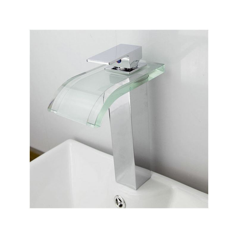 Armaturen badezimmer waschtischarmaturen wasserfall for Badezimmer quadratisch