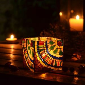 Kaufen sie tiffany lampen tiffany stil lampen bei homelava for Teelichthalter glas bunt
