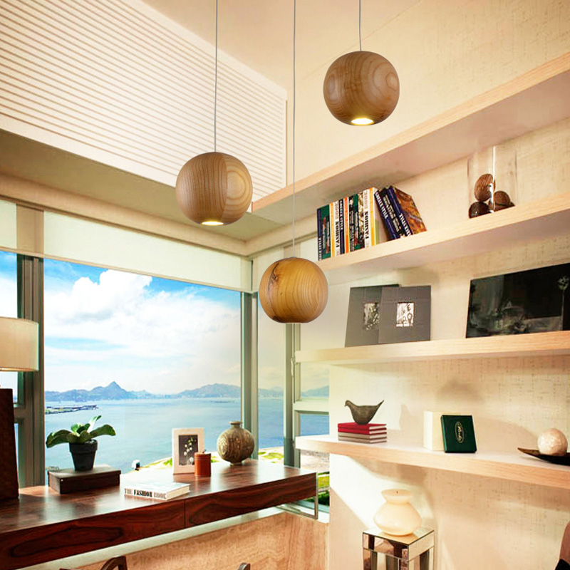 landhaus pendelleuchte holz 3 flammig im wohnzimmer. Black Bedroom Furniture Sets. Home Design Ideas