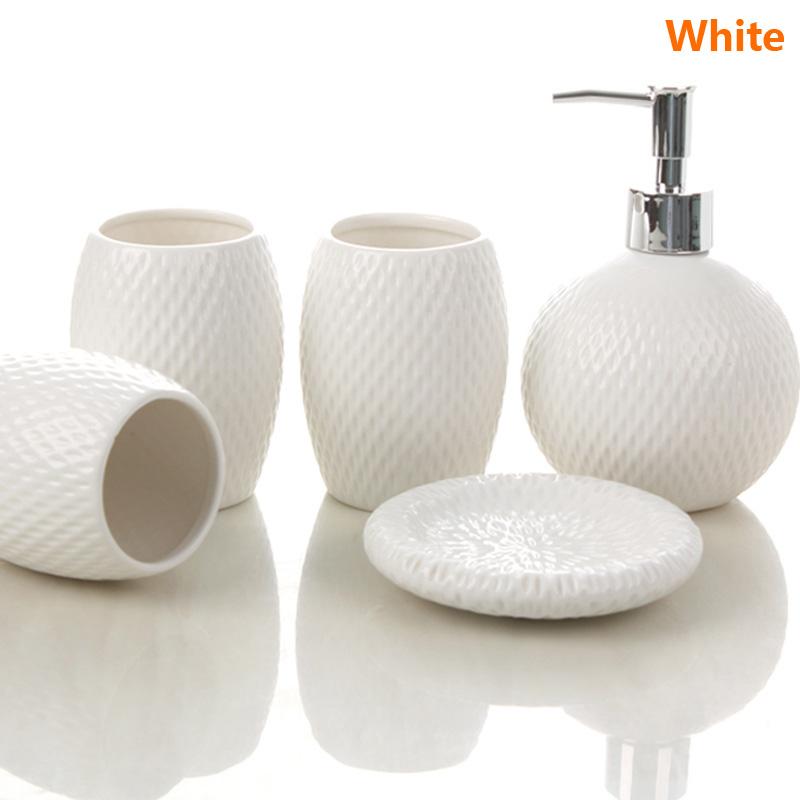 badzubeh r badezimmer accessoires set eu lager moderne bad accessoire set 5 teilig aus keramik. Black Bedroom Furniture Sets. Home Design Ideas