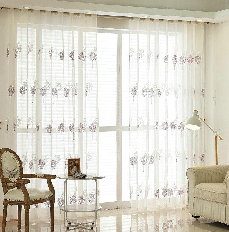 moderne gardine blumen design im schlafzimmer. Black Bedroom Furniture Sets. Home Design Ideas