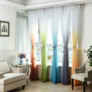 Moderne Gardine Farbverlauf im Wohnzimmer