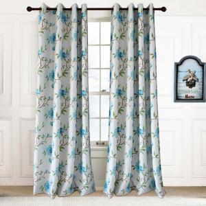 Landhaus Vorhnag Blau Blumen im Wohnzimmer