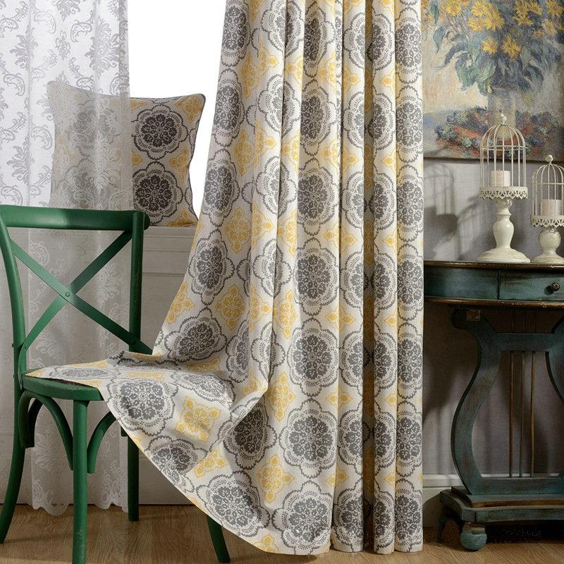 moderner vorhang gelb blumen desig im schlafzimmer. Black Bedroom Furniture Sets. Home Design Ideas