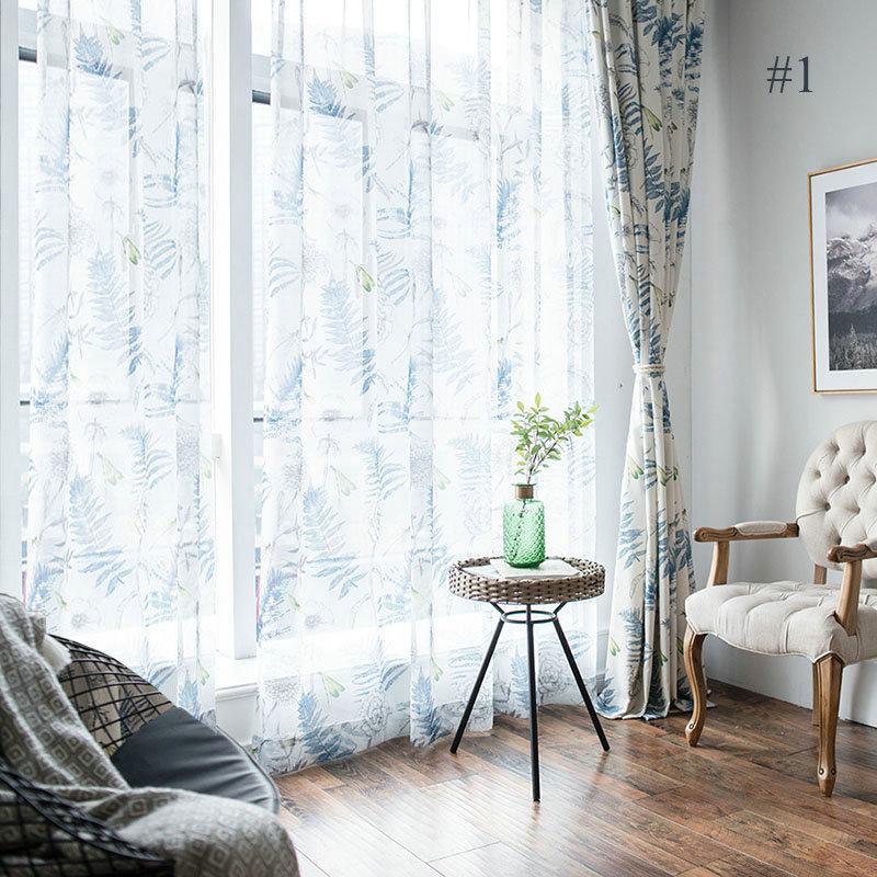 Landhaus Gardine Blau Blätter im Wohnzimmer