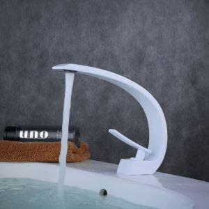 Waschbeckenarmatur Einhand Weiß im Badezimmer