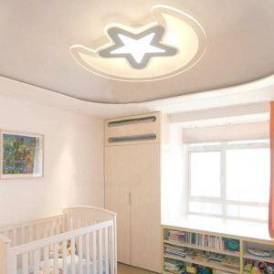 Led Deckenleuchte Stern Mond Design im Wohnzimmer