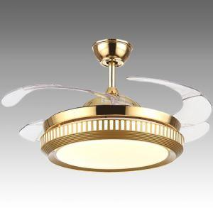 Deckenventilator mit Led Lampe in Gold mit ein- uns ausklappbaren Flügelblättern