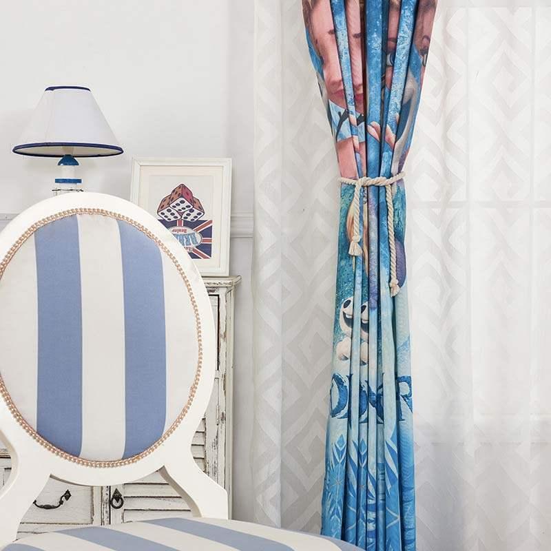 Vorhang frozen muster in blau im kinderzimmer for Vorhang kinderzimmer blau