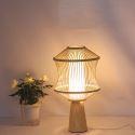Japanische Tischleuchte mit Bambus Lampenschirm