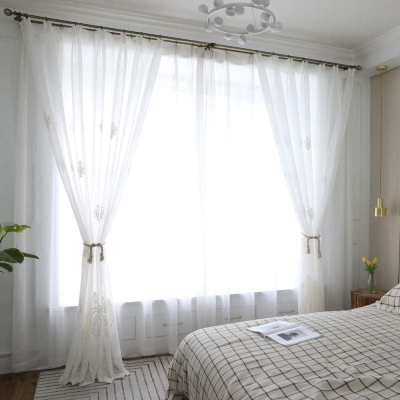 Gardinen mit Stickerei in weiß für Wohnzimmer