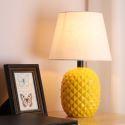 Tischleuchte Ananasförmig Keramikfuß Macaron Fabre für Wohnzimmer