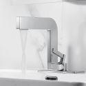 Moderne Waschtischarmatur Einhand im Badezimmer mit Platte