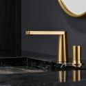 Waschbecken Armatur Modern aus Messing in Gold im Badzimmer