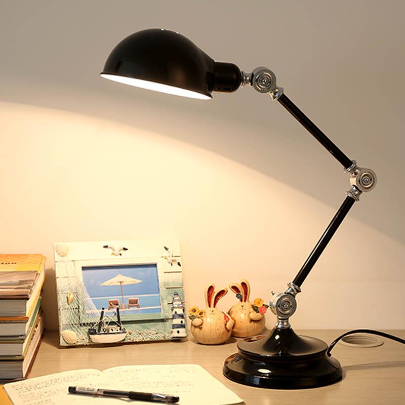 tischleuchte modern design im wohnzimmer lesezimmer. Black Bedroom Furniture Sets. Home Design Ideas